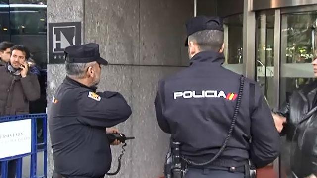 La Policía interroga a Maradona por un supuesto maltrato a su pareja