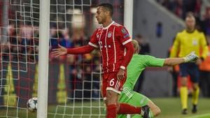 Thiago marcó uno de los goles del Bayern
