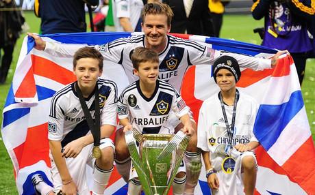 Un 'Beckham' prueba suerte en el Chelsea