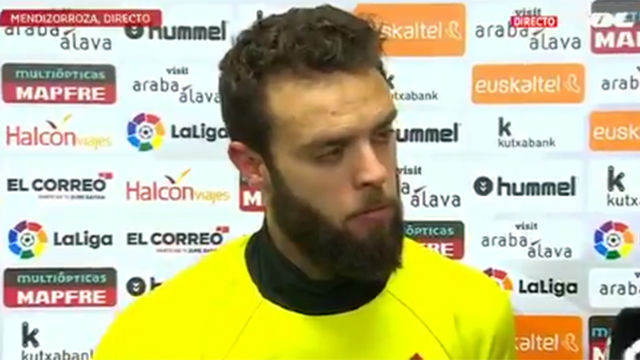 Sergio Álvarez, hundido tras la derrota del Celta