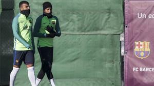 Neymar y Rafinha accedieron al reto que les propuso el FC Barcelona