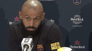 Mascherano, también con pies de plomo a la hora de hablar de Neymar