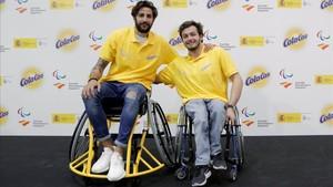 Ricky Rubio no dudó en probar el baloncesto en silla de ruedas junto a Daniel Stix