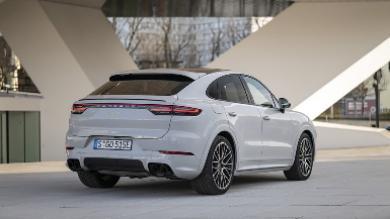 Porsche mejora la autonomía del Cayenne E-Hybrid