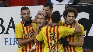 Alberto Carroza celebra con rabia el gol con el que abrió el marcador en el Calderón en 2013