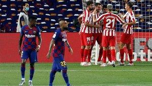 El Barça no fue capaz de derrotar al Atlético y se aleja del título