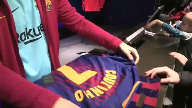 El Barça vendió las primeras camisetas de Coutinho