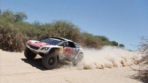 Carlos Sainz abandonó en la 4a etapa de la pasada edición del Dakar