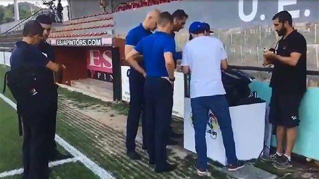Exclusiva SPORT: Así ensaya Hernández Hernández con el VAR durante el Olot - Espanyol