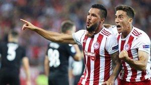 Guerrero celebra el primero de los cuatro goles helenos