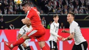 Jovic anotó el tanto inaugural del Alemania-Serbia.