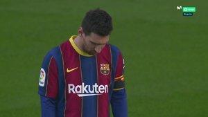 Messi, durante el minuto de silencio a Maradona