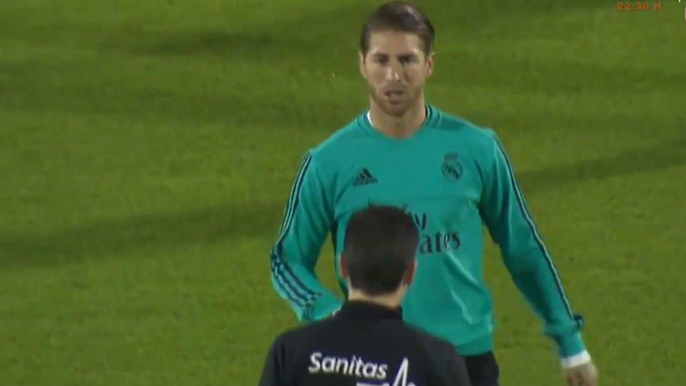 Ramos durante el entrenamiento del Real Madrid en Abu Dhabi