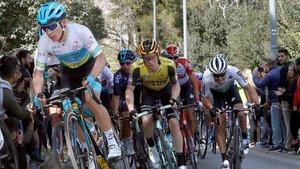 Varios ciclistas durante La Volta del pasado año