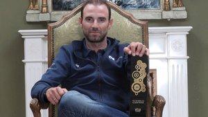 Alejandro Valverde con el premio