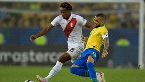 André Carrillo firmó su vínculo con el Al Hilal de Arabia Saudí