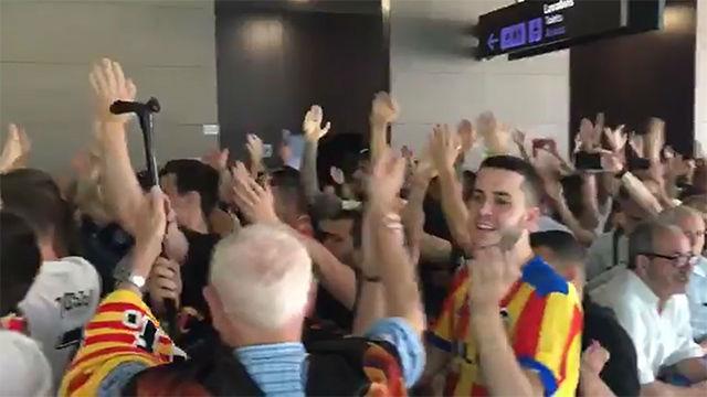 Así ha despedido la afición del Valencia al equipo antes de viajar a Sevilla