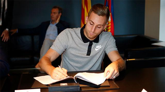 Deulofeu firmó su nuevo contrato con el Barça