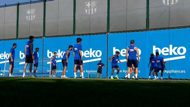 De Jong y Todibo vuelven a entrenar con el grupo