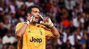 La lección de Buffon al quedarse en la Juventus cuando descendió a la Serie B