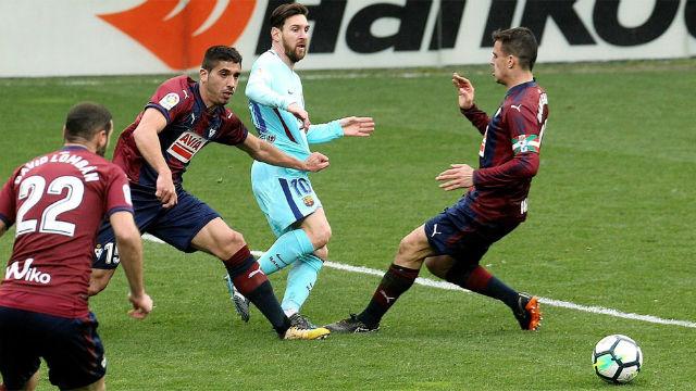 El mago Coutinho hizo de las suyas, pero Messi no metió su vaselina