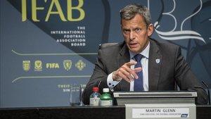 Martin Glenn, en una conferencia de la IFAB