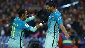 Neymar y Luis Suárez celebran un gol con el Barça