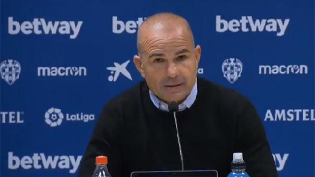 Paco López: Messi hace cosas que no están al alcance de nadie