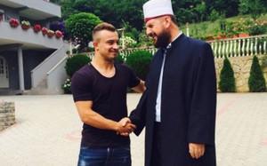 Shaqiri no sabía que su admirador tenía pasado terrorista
