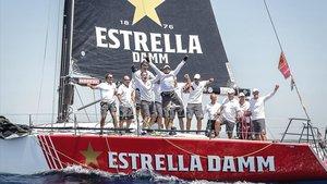 La tripulación del Estrella Damm Sailing Team celebrando su victoria en la Copa del Rey Mapfre 2019