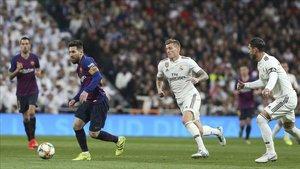 Tsunami Democràtic pide a FC Barcelona y Real Madrid que se mojen