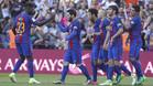 Umtiti felicita a Messi tras uno de sus goles en el Barça-Villarreal