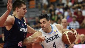 xortunoargentina s luis scola r handles the ball during190910150252