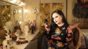 Alaska sustituye a Concha Velasco como presentadora de Cine de Barrio