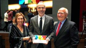 Alex Corretja, con sus padres