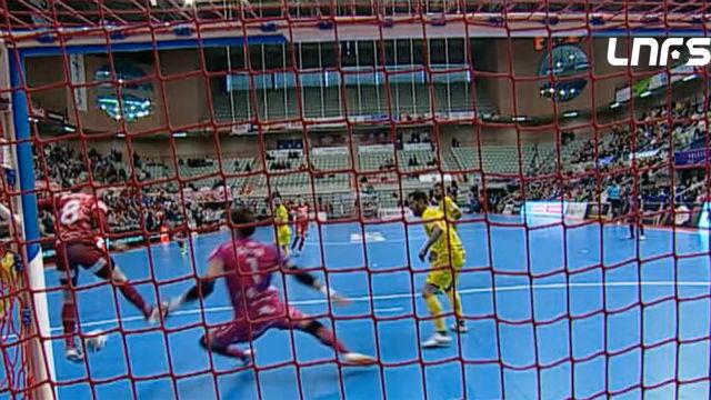 Antológico gol de tacón en la LNFS: ¡Salvó a su equipo en el último segundo de partido!
