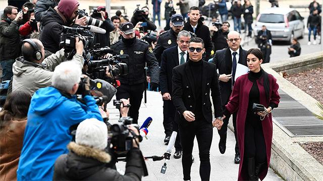 Así entró Cristiano Ronaldo a los juzgados