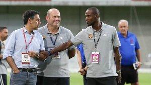 Bartomeu, Grau y Abidal, en una concentración del Barça