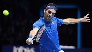 Federer superó a Anderson por 6-4 y 6-3