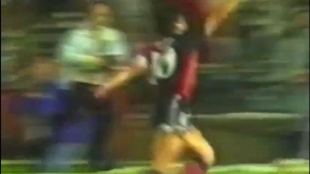 El gol que ha marcado Messi contra Osasuna es idéntico al único tanto de Maradona con Newells