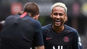 jdiazparis saint germain s brazilian forward neymar r 190808222812