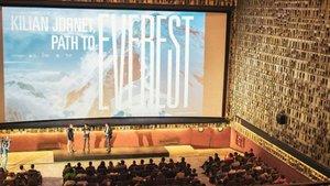 Josep Serra y Kilian Jornet en la presentación de la película en Barcelona en 2018