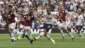 Kane anotó los dos últimos goles del duelo que dieron la victoria a los spurs.