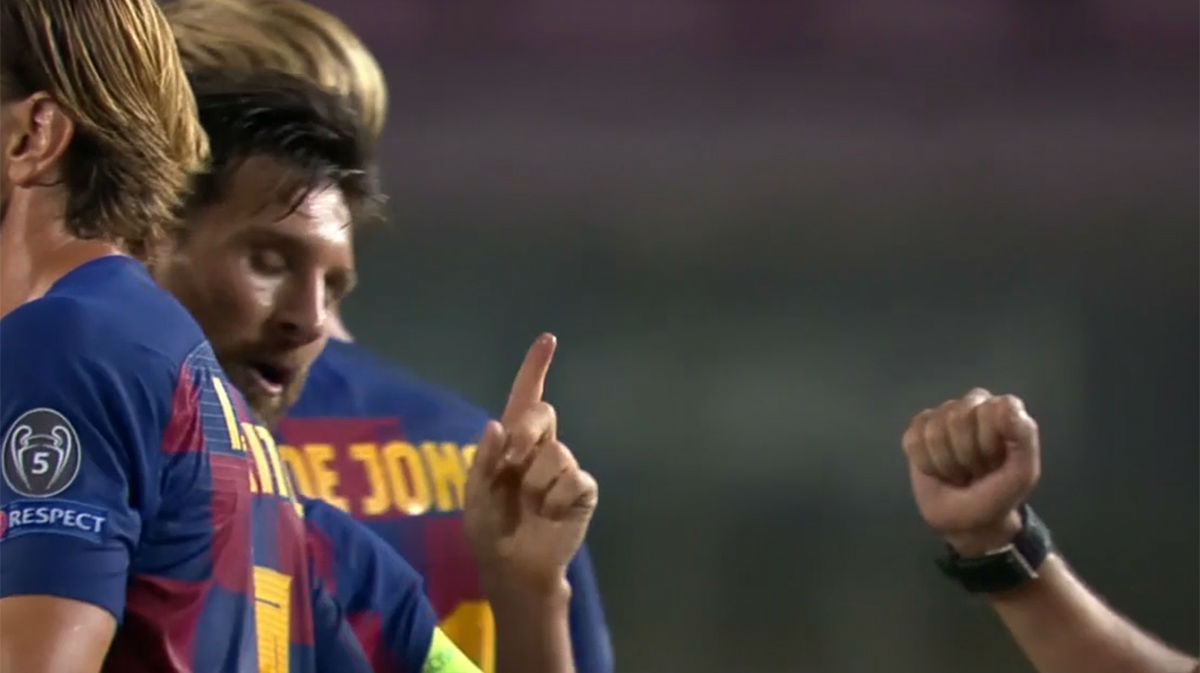 Messi le negó el saludo al colegiado Cüneyt Çakir al terminar el partido