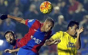 Morales y Deyverson dieron tres puntos de oro al Levante