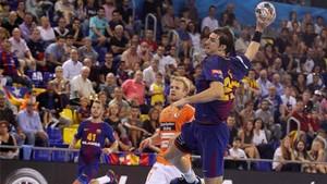 Morros, en un partido del presente curso con el Barça