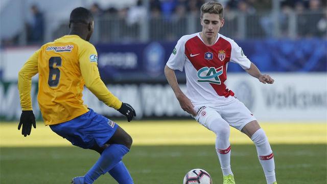 Robert Navarro debuta en la victoria del Mónaco al Canet Roussillon en la Copa francesa