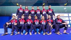 La selección masculina posa con la plata en Budapest