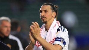 Zlatan Ibrahimovic vaciló con ser directivo del Ajax