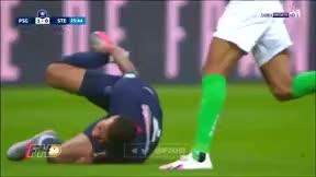 Así fue la terrible entrada que lesionó a Mbappé y que puede hacer peligrar la Champions para el galo